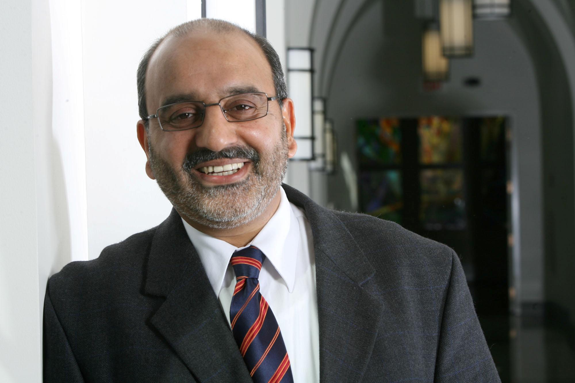 Mengharungi kerumitan dunia dan kewujudan: wawancara bersama Prof. Ebrahim Moosa (Bahagian 1)
