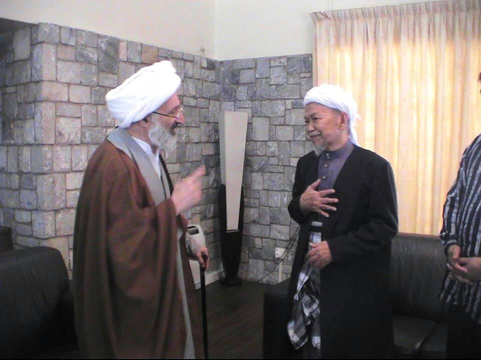 Nik Abdul Aziz dan Imam Khomeini