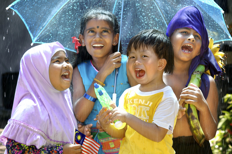 Cinta, Harapan & Identiti Malaysia